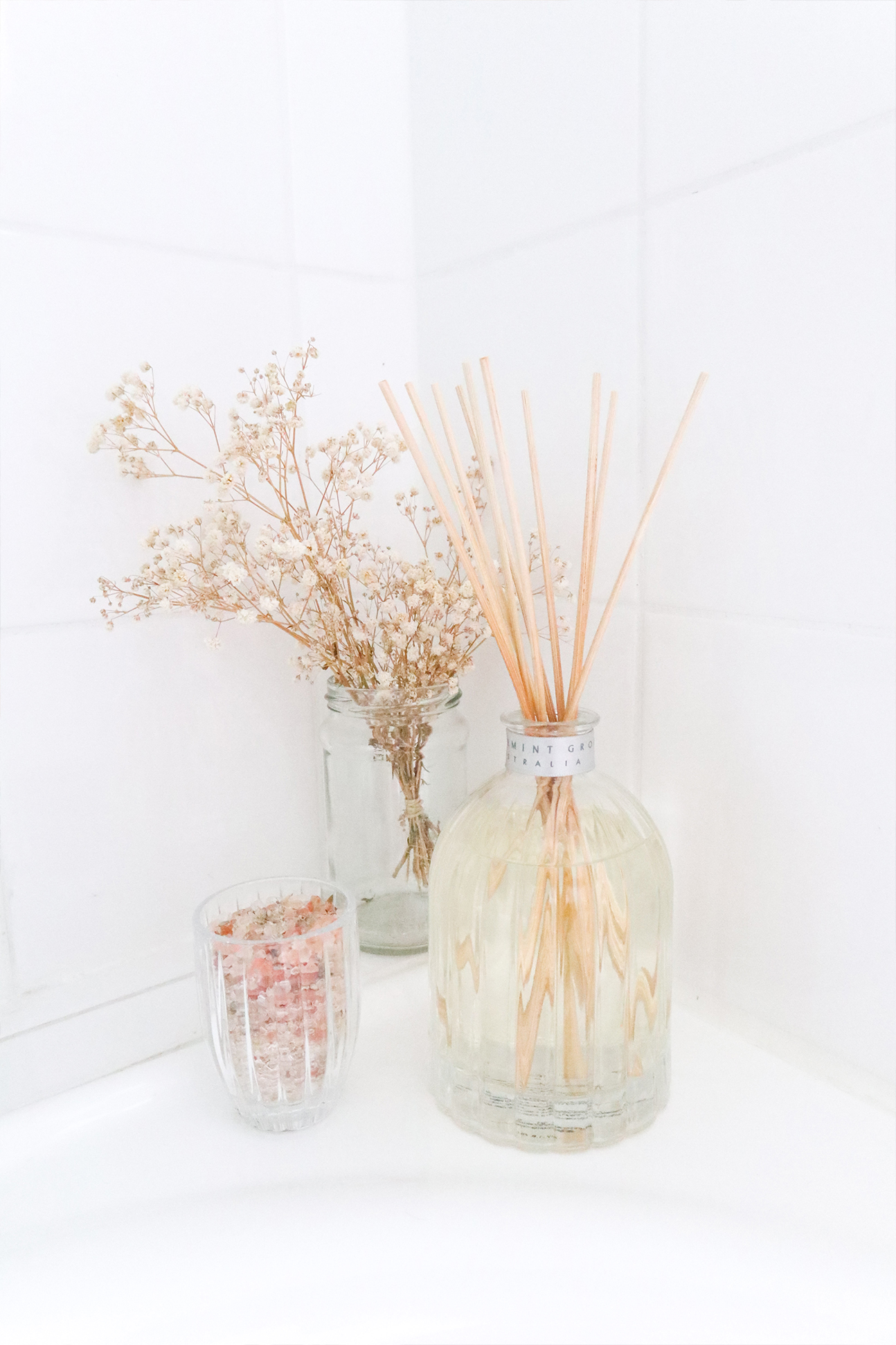 content creation, photography and styling of candle and diffuser for peppermint grove by caitlin hope